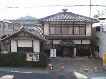 081101gurumachi13